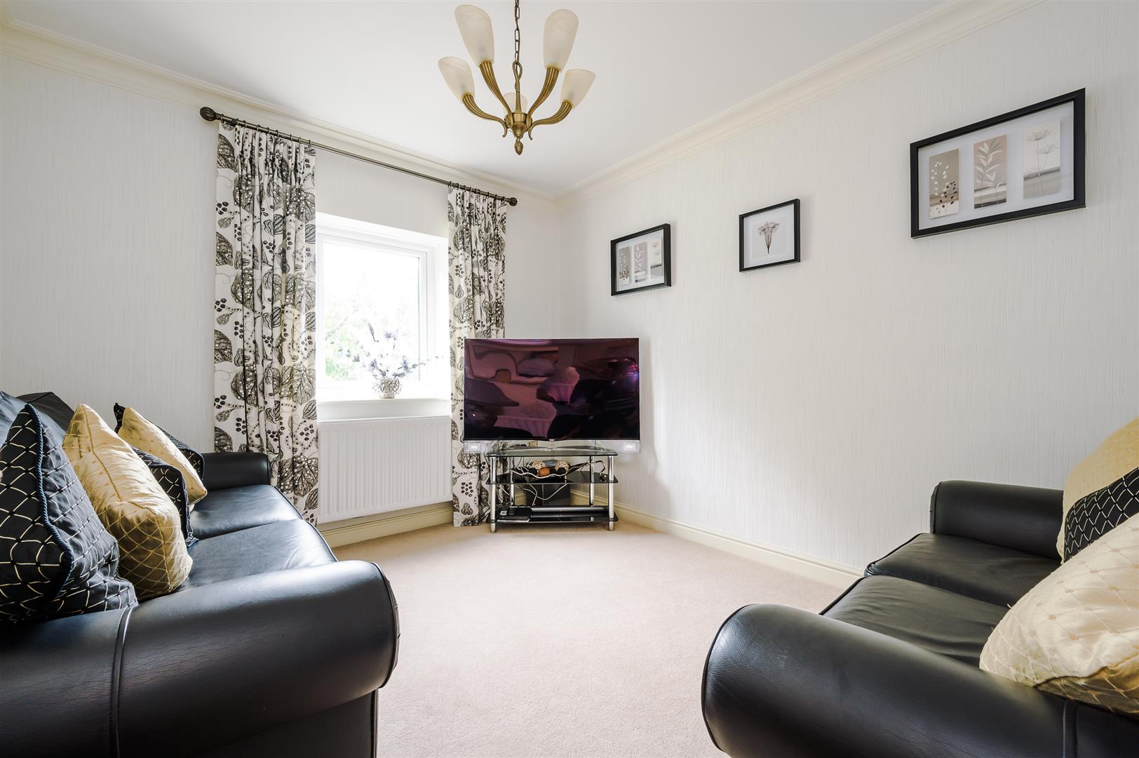 4 bedroom detached house Sale Agreed in Bolton - DSC_0578.jpg.
